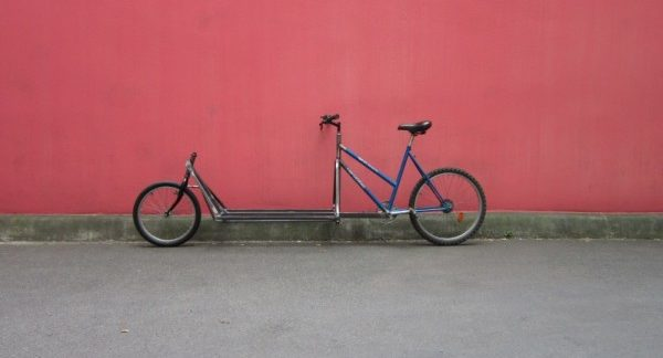 Un biporteur appelé Long André en vélo-construction