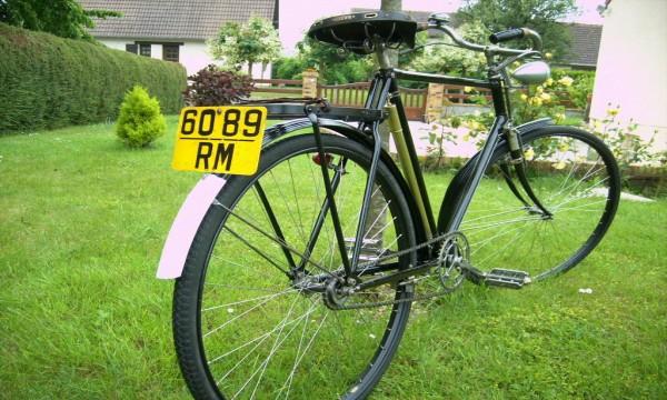 Solidarité avec les automobilistes: circulation alternée des vélos