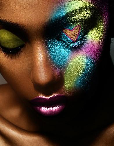 femme-metissee-maquillage-originale
