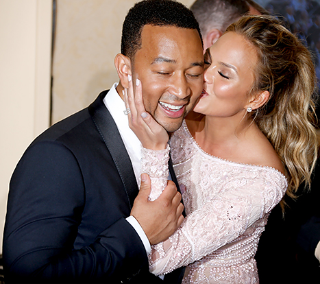 John Legend and Chrissy Teigen Are Having A BABY!