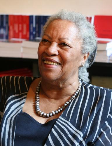 Toni Morrison: Nobel Prize-winning author dies at 88
