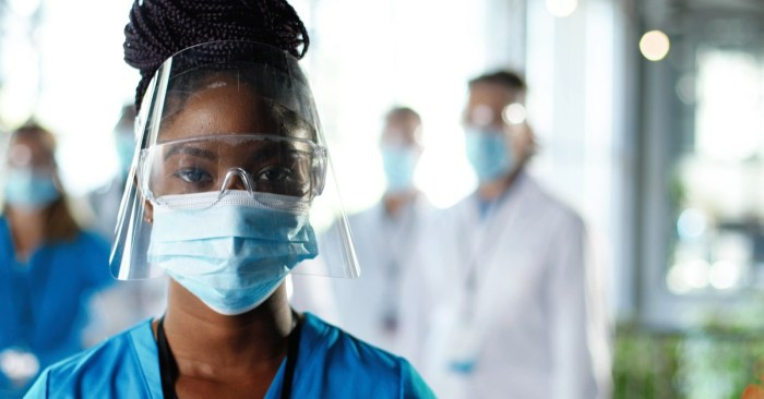 Mayor De Blasio Announces Health Worker COVID-Safe Requirement