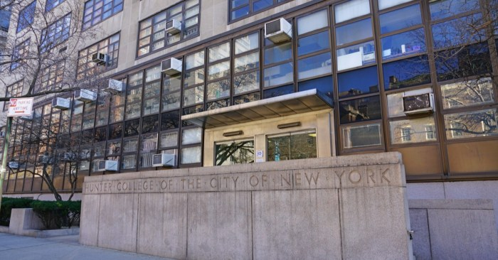CUNY Community College Students Need Help Covering Big Costs to get Back to Class, Study Says