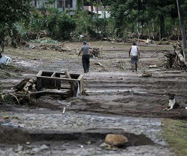 Hurricane Iota weakens to Category 4 on approach to Honduras