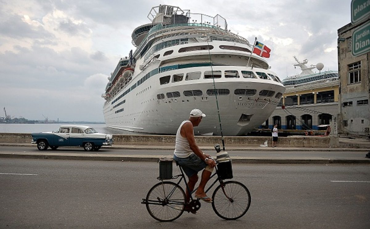 Royal Caribbean to Accept Only Vaccinated Passengers on Next Caribbean