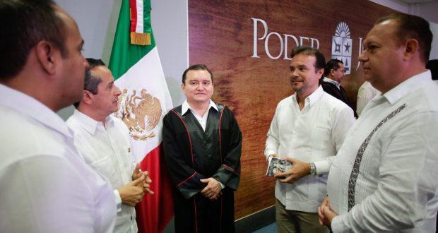 En Quintana Roo se conmemora el aniversario 44 de la Constitución Política del Estado