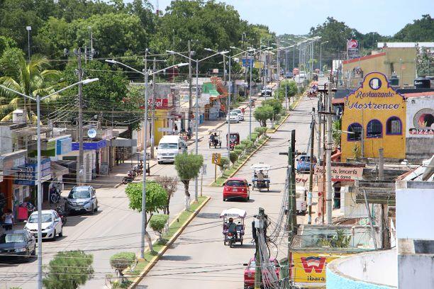Morelenses anuncian cese de pagos a la CFE por altos costos; Ayuntamiento los respalda