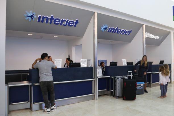 Interjet ofrece apoyo a pasajeros afectados por bloqueo en AICM