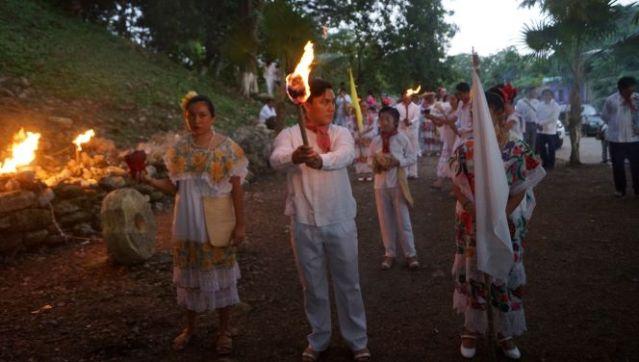 """Inicia festividad tradicional de la bajada del """"Fuego Nuevo"""" en Kantunilkín"""