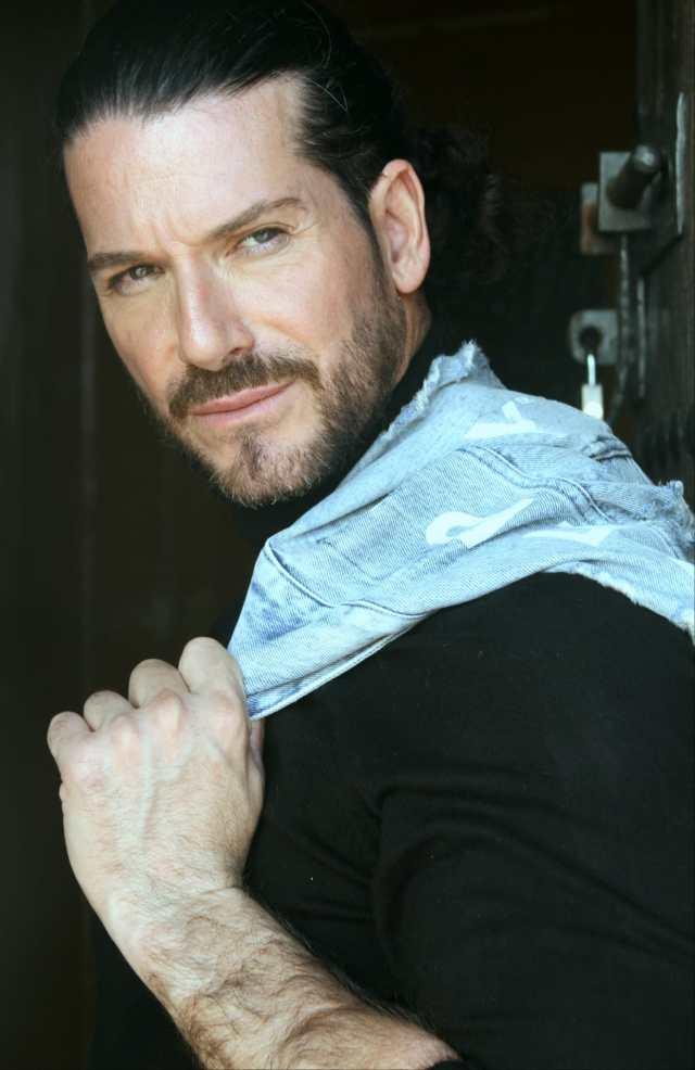 Jack Queralt, actor español que rompe barreras