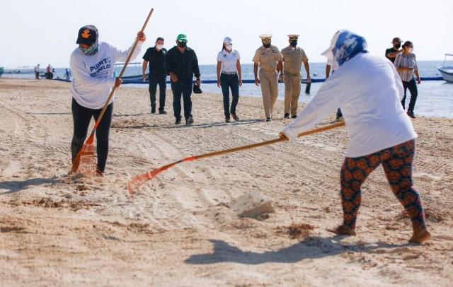 Marina y autoridades municipales supervisan limpieza de playas en Puerto Morelos