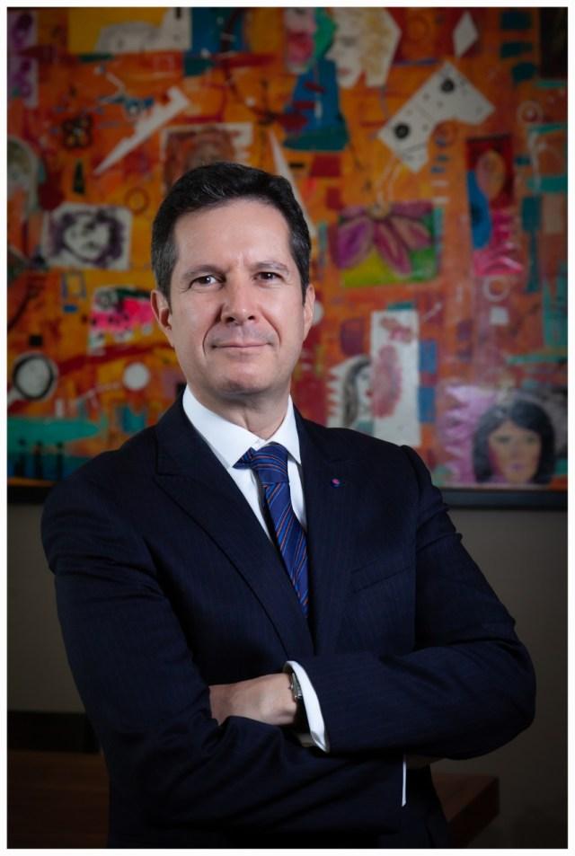El notario público Guillermo Escamilla en entrevista para #Caribempresarial