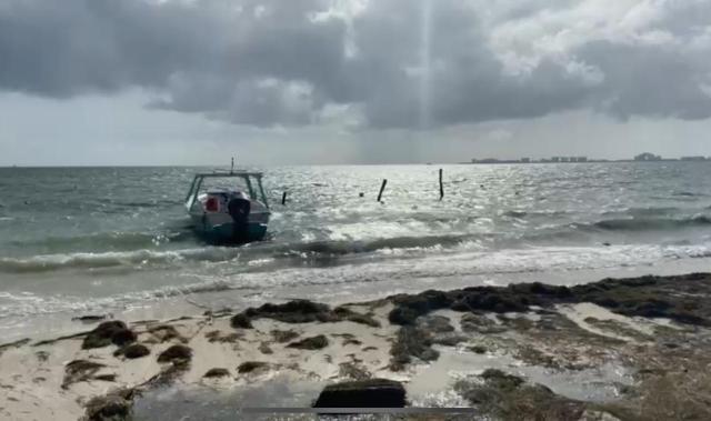 """Cierran navegación Capitanía de Puerto Juárez a embarcaciones menores de 40 pies por """"Zeta"""""""