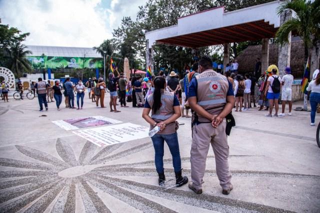 Comunidad LGBTTTIQ+ de Tulum se manifiesta en contra de la violencia