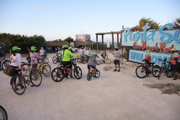 """Limpieza de Playas """"Biobicivilízate"""" en Punta Sur, Cozumel"""