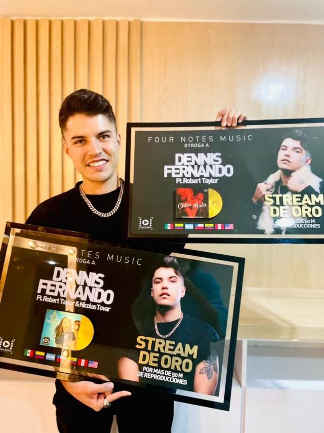 DENNIS FERNANDO RECIBE DOBLE DISCO DE ORO Y LANZA LA CAMPAÑA #ELMETANOSNECESITA