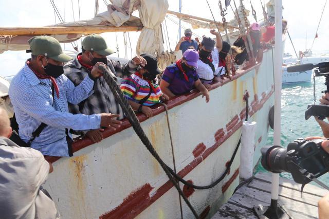 Anticipan salida a Europa de embarcación zapatista desde Isla Mujeres