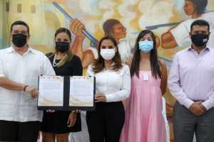 Firma Benito Juárez declaratoria de Municipio Abierto ante el INAI