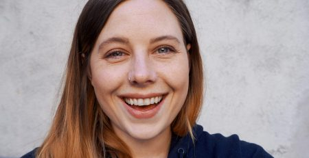 Selfie i bakgården – Carina Behrens