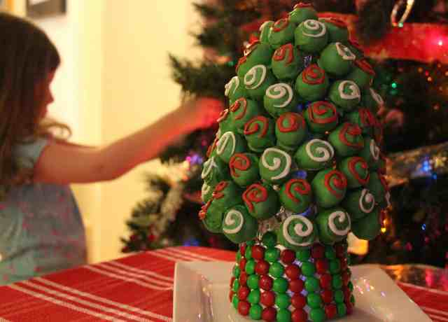 OREO-Cookie-Balls-Christmas-Tree-19