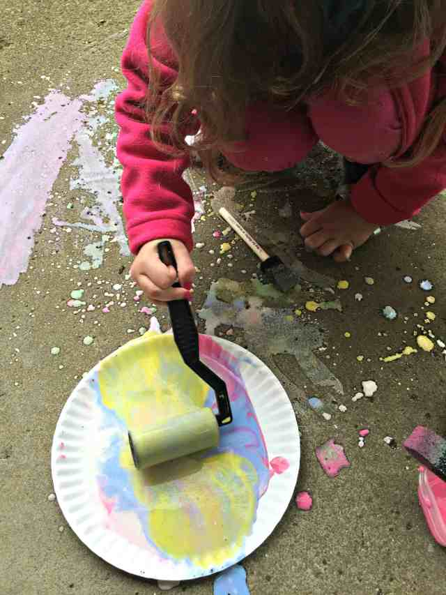 Homemade Sidewalk Chalk Paint 7