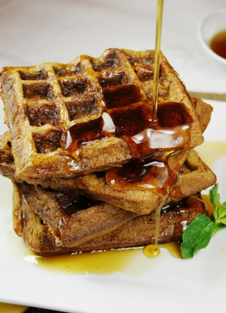 gingerbread-waffles_pouring-syrup