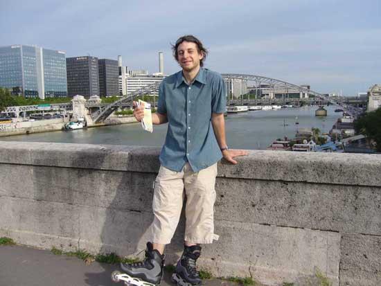 Carl au bord de la Seine