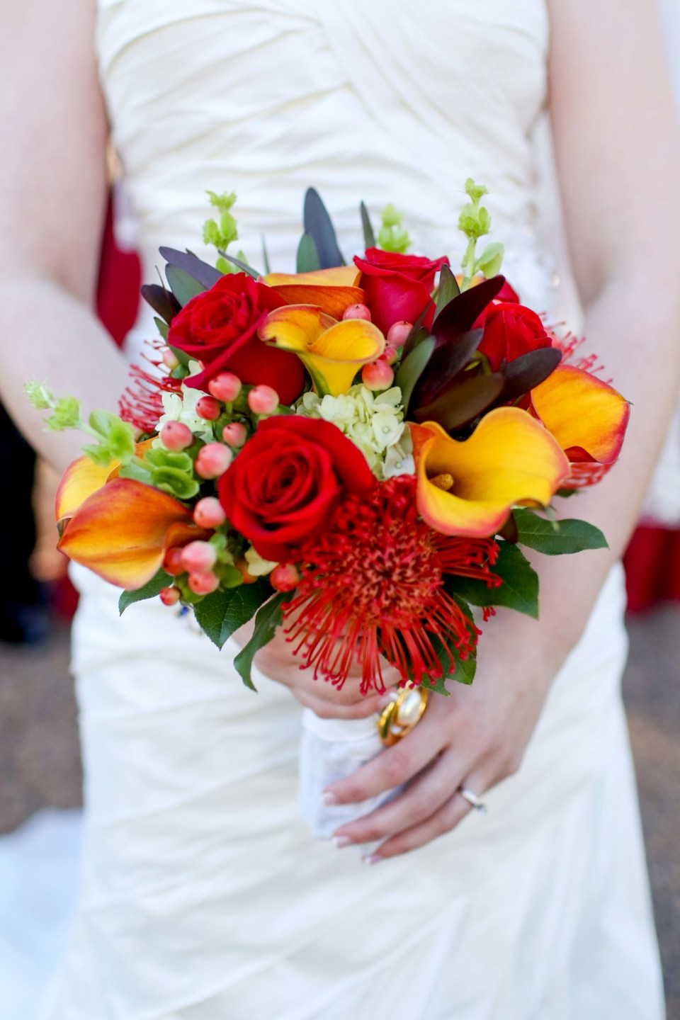 Fall-Wedding-Bouquet-Inspiration-Flowers-Bridal-Bridesmaids400