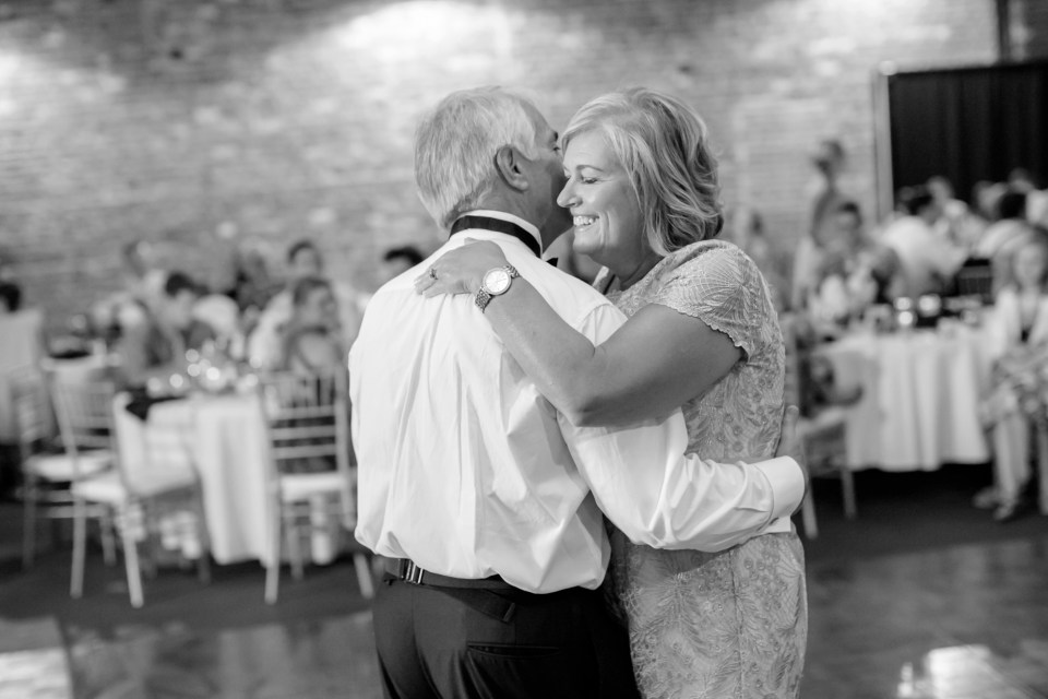 20A-Inn-At-The-Olde-Silk-Mill-Wedding-Summer-Anna-Ian-1195