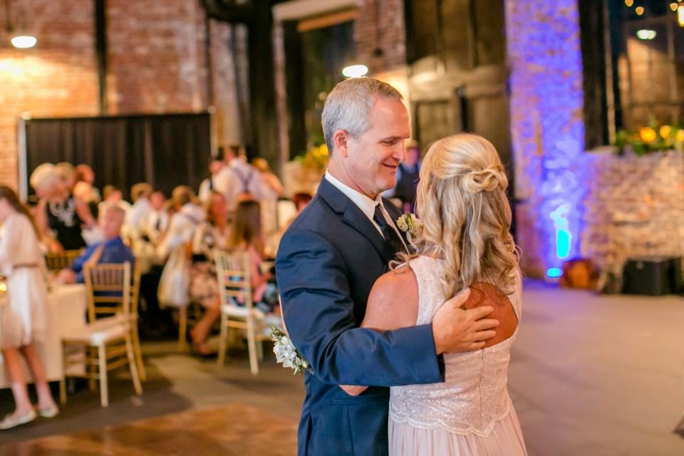 22A-Inn-At-The-Olde-Silk-Mill-Wedding-Summer-Anna-Ian-1200