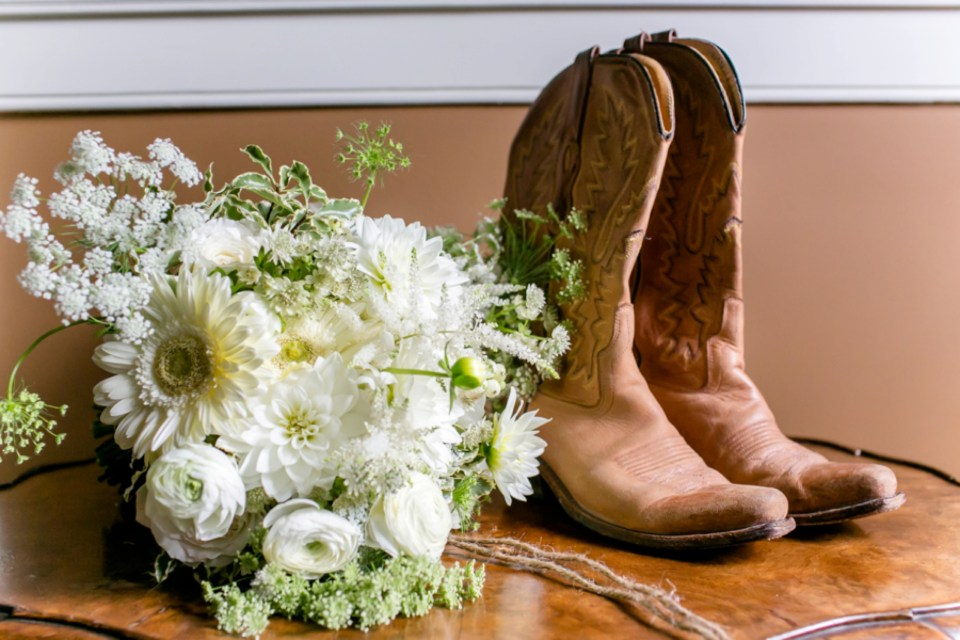 9a-stevenson-ridge-wedding-rustic-kaitlin-parker-1013