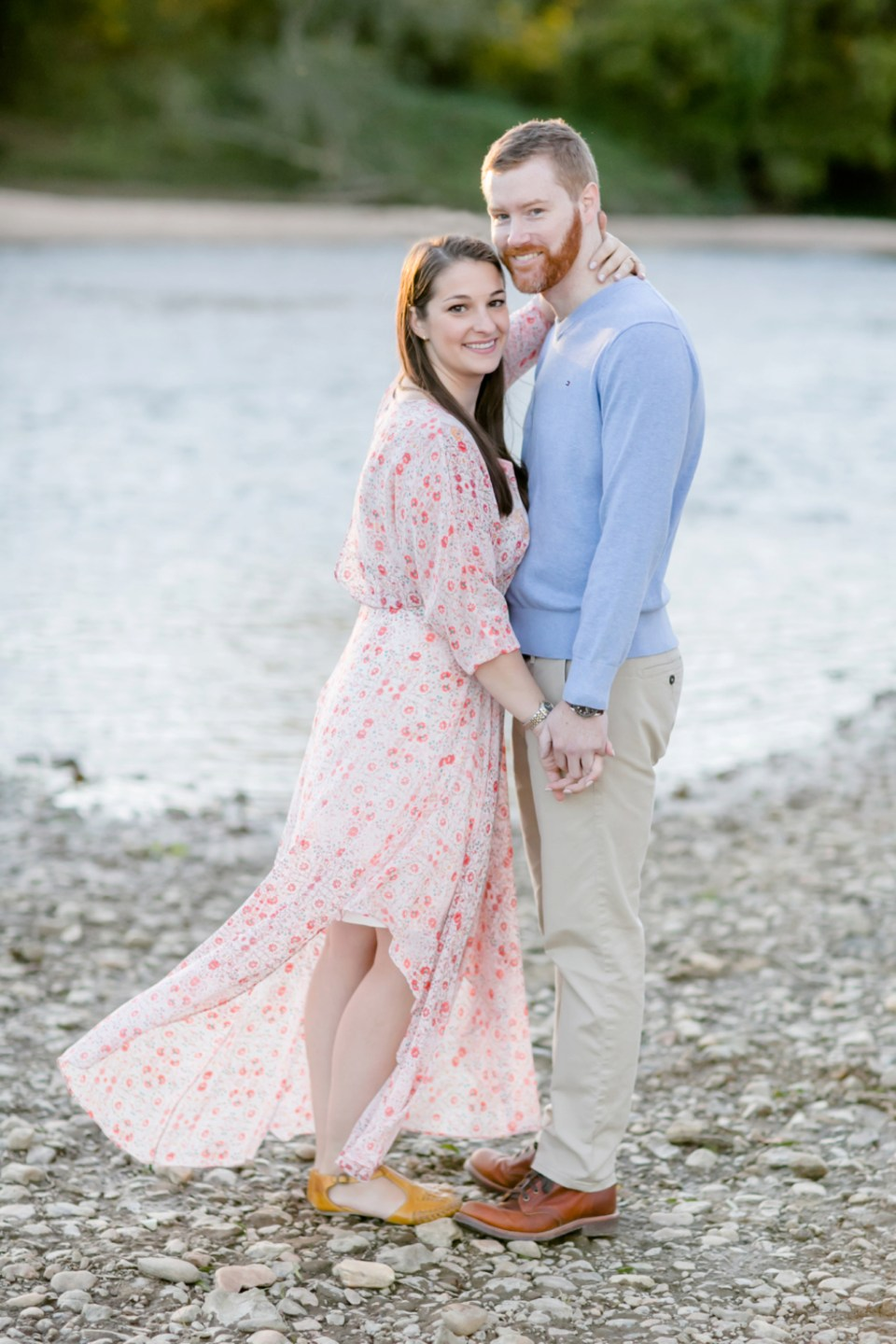 25downtown-fredericksburg-virginia-engagement-session-sarah-and-russell-1053