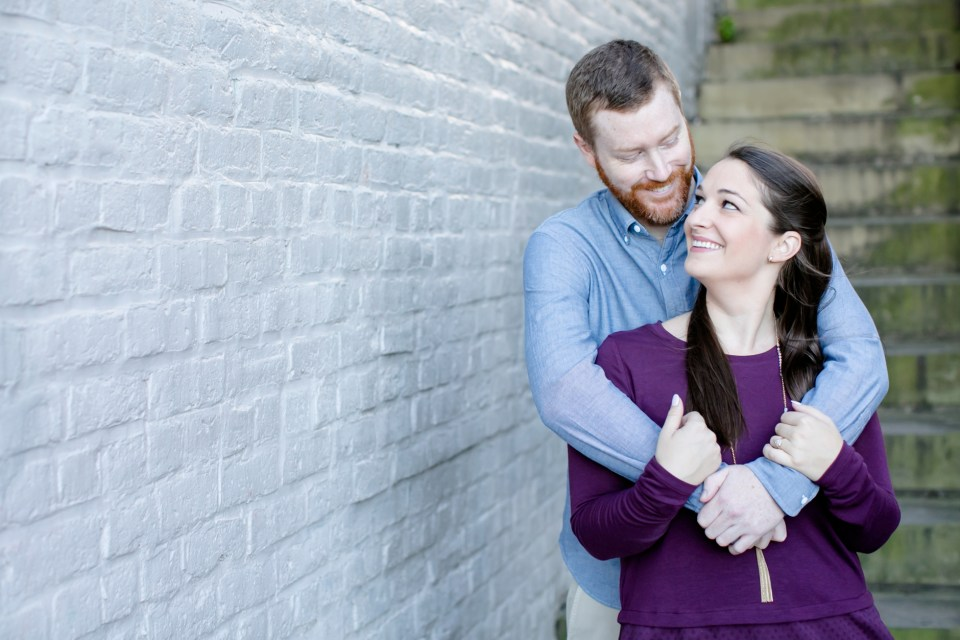 7downtown-fredericksburg-virginia-engagement-session-sarah-and-russell-1011
