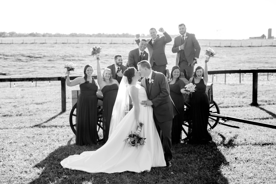 11a-oak-creek-farm-wedding-virginia-photographer-brittany-josh-1091