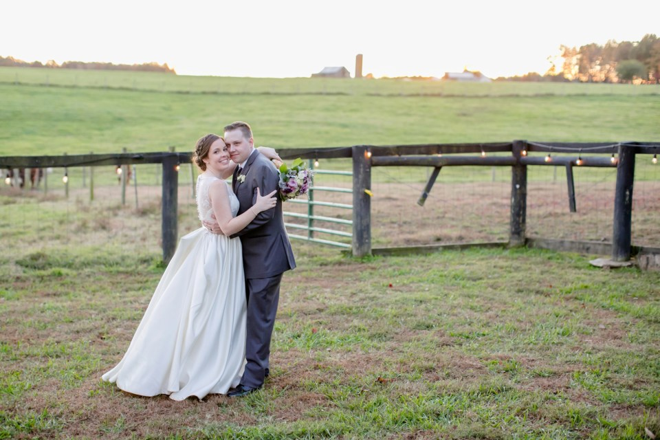31a-oak-creek-farm-wedding-virginia-photographer-brittany-josh-1159