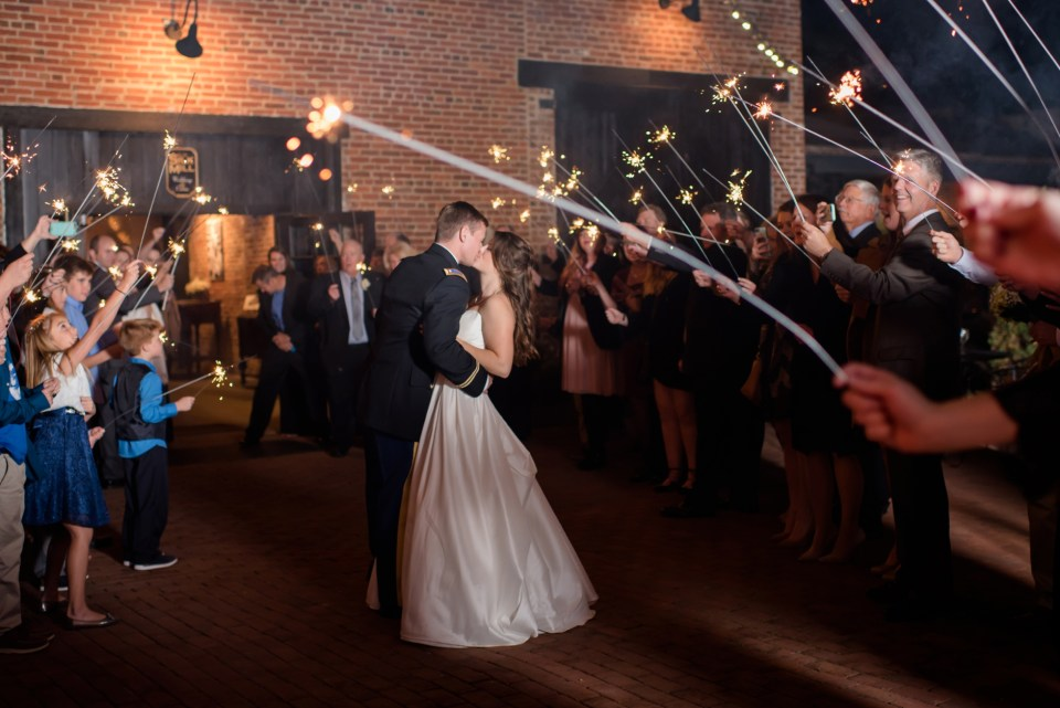 34a-inn-at-the-olde-silk-mill-wedding-fall-ashlee-stephen-carley-rehberg-photography-1280