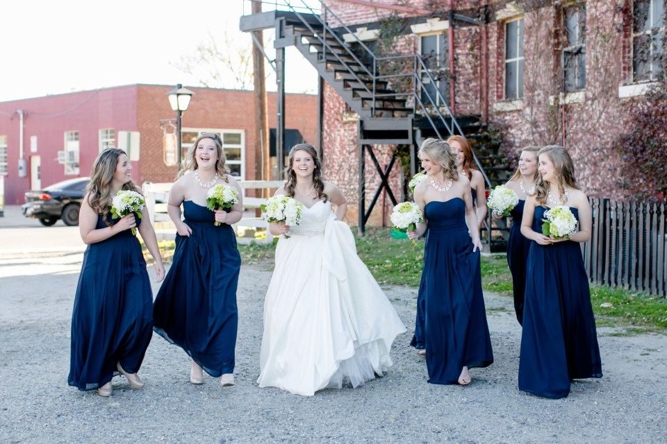 16-a-inn-at-the-olde-silk-mill-wedding-fall-ashlee-stephen-carley-rehberg-photography-1061