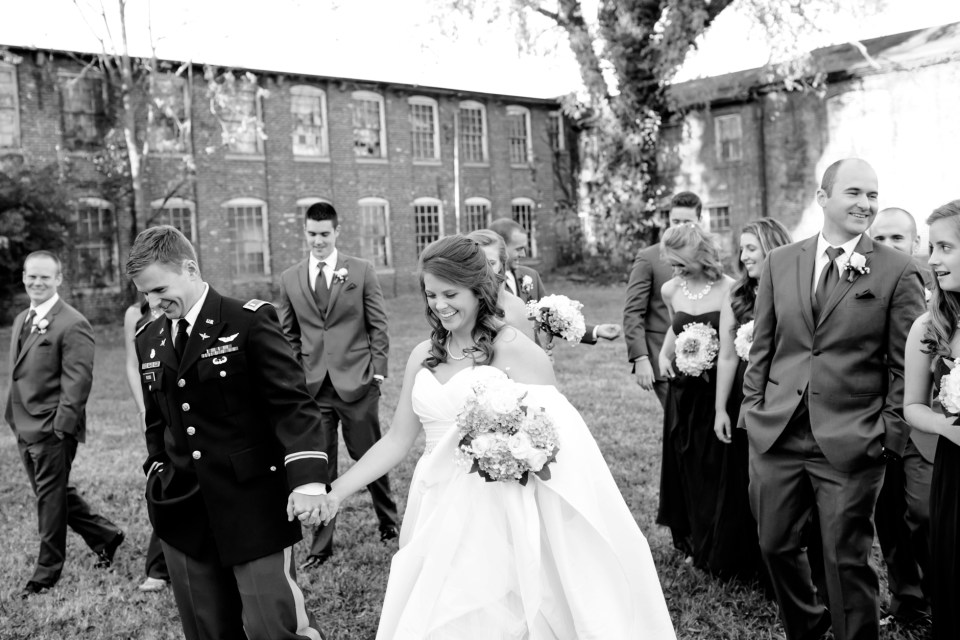 28-a-inn-at-the-olde-silk-mill-wedding-fall-ashlee-stephen-carley-rehberg-photography-1123