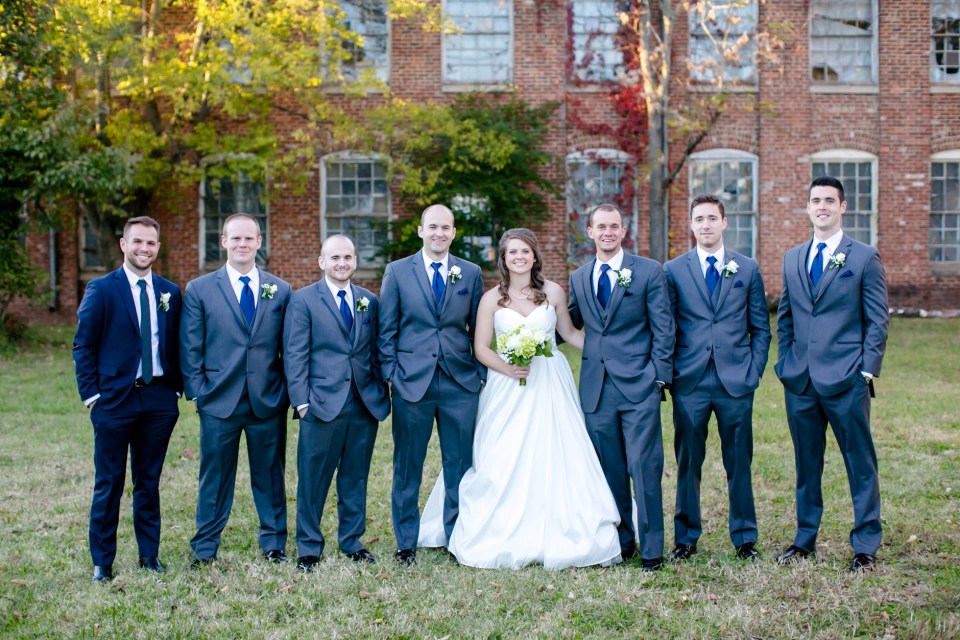 30-a-inn-at-the-olde-silk-mill-wedding-fall-ashlee-stephen-carley-rehberg-photography-1125