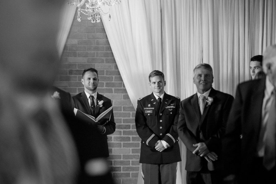 5-a-inn-at-the-olde-silk-mill-wedding-fall-ashlee-stephen-carley-rehberg-photography-1257