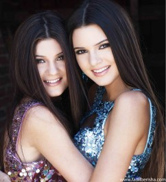 Kylie-Kendall-kylie-jenner-and-kendall-jenner-31278848-1162-1280