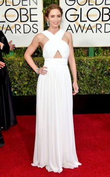 Emily-Blunt-Golden-Globes-Red-Carpet