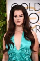 Lana-Del-Rey-2015-Golden-Globes-bad-hair-makeup