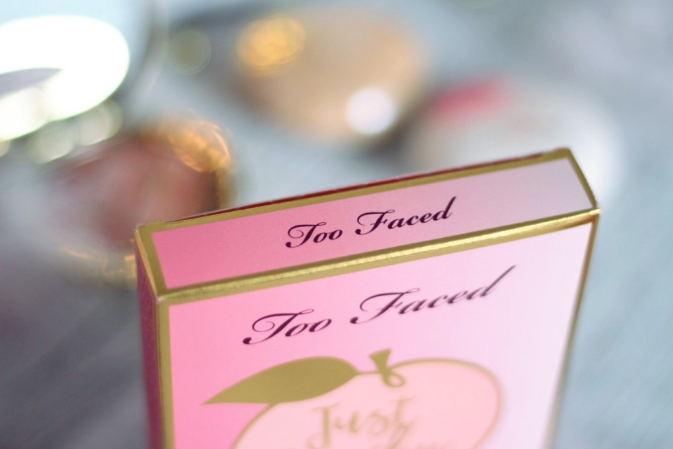j'ai testé la just peachy mattes too faced avis swatch makeup