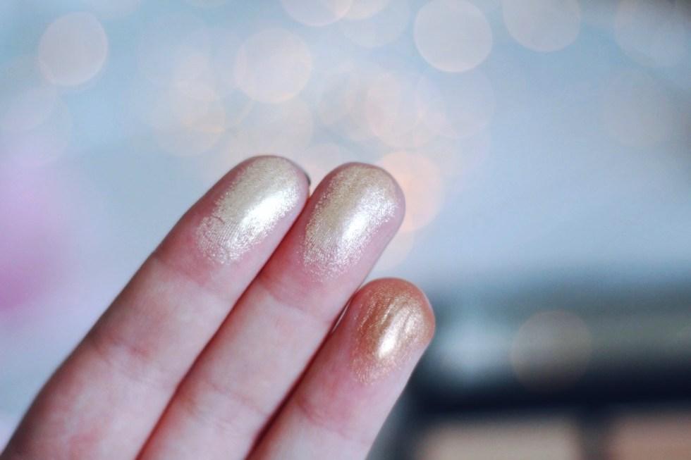 palette hyper real glow Mac avis swatch
