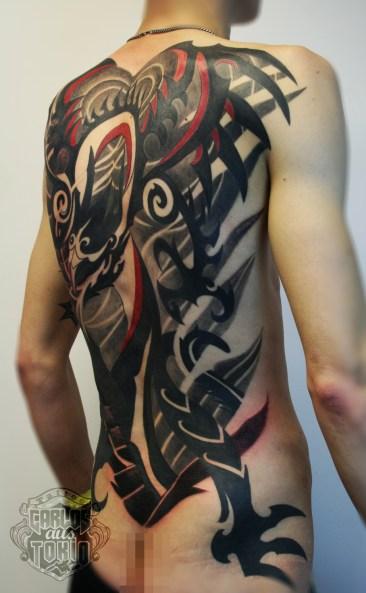tibal dragon tattoo full back pieceトライバル龍背中一面1