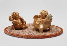 Familia Tipo - lateral 3 -Ceramica madera y ceniza volcanica 45 x 102 x 89 cm