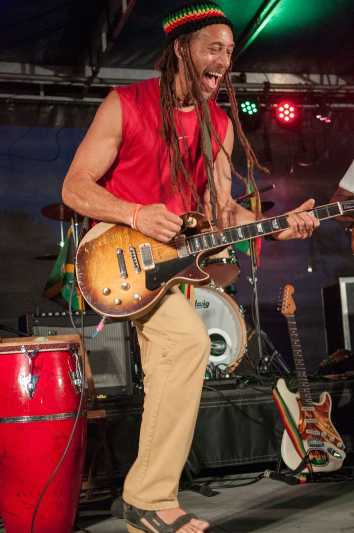 Carlos_Jones_Guitar_Live (2)