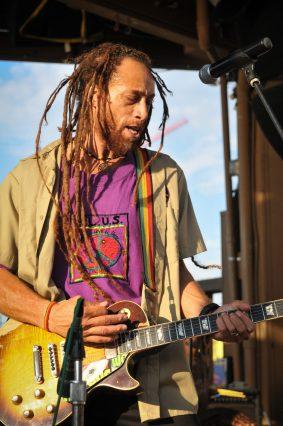 Carlos_Jones_Rocking_Guitar