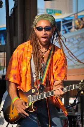 Carlos_Jones_Rocking_Guitar(8)